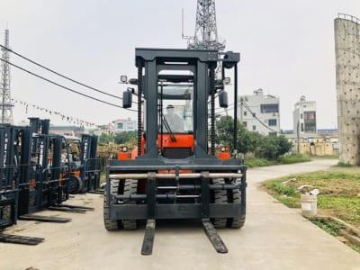 Xe nâng hàng 13.5 tấn CPCD135-CU1-06III